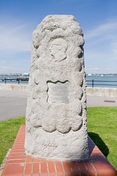 Memorial to Sir Christopher Cockerell at Hythe geograph org uk 514712