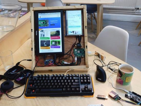 Raspberry Pi 4 portable computer