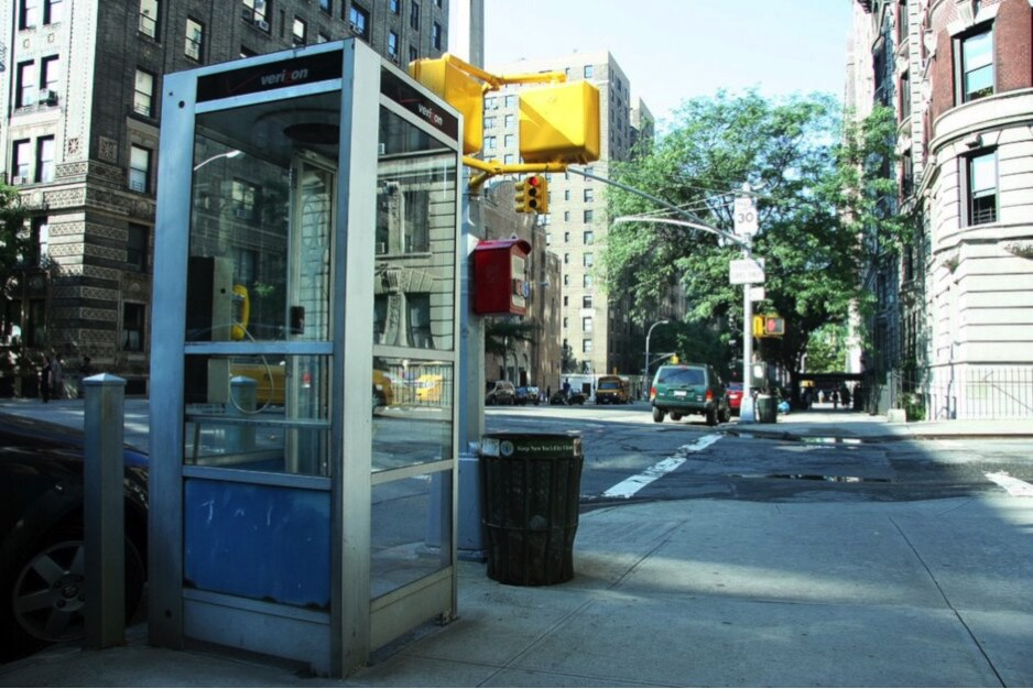 NYC to remove its last payphones only four phone booths remain