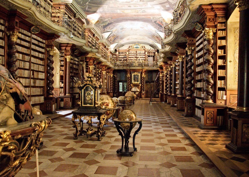 Clementinum library2