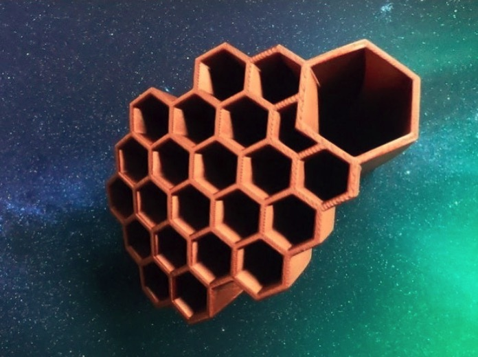 Honeycomb writing utensil organizer studentdesignchallenge by NorthernMaker123 Thingiverse