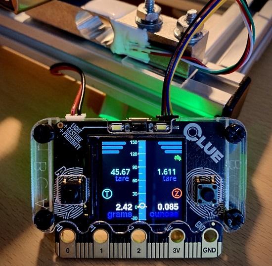 NAU7802 24-bit ADC FeatherWing CLUE Display