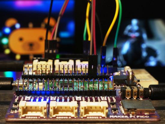 PWM Larson Scanner on a Cytron Maker Pi Pico