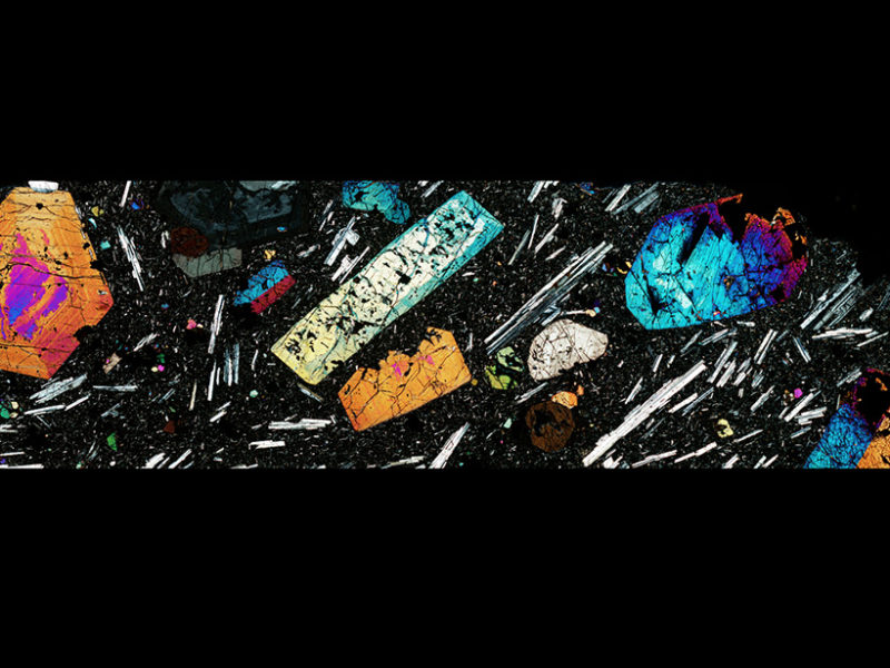 Clinopyroxene crystals 800x600