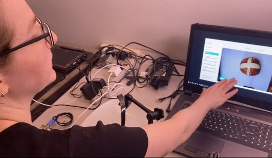 Ladaada demonstrates Microsoft Lobe
