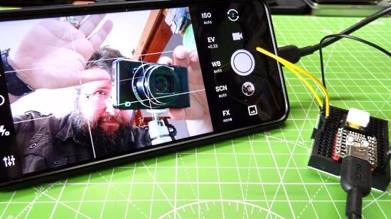 Raspberry Pi Pico-Powered Camera Button