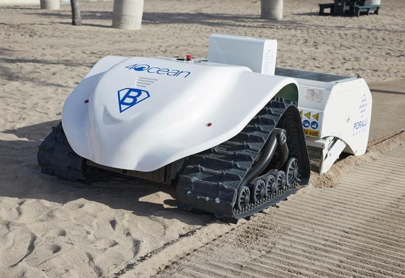Bebot robot tiny plastic waste clean beaches 4ocen designboom 1