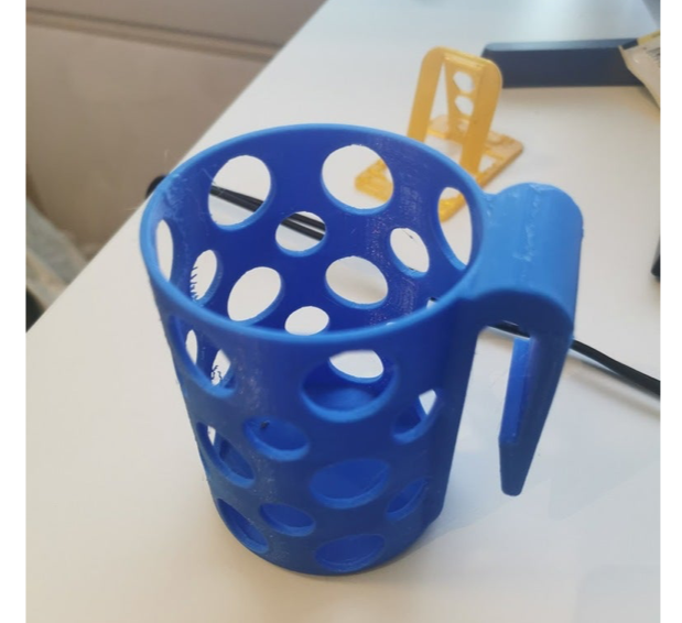 Clip on cupholder for car by MrPutin Thingiverse